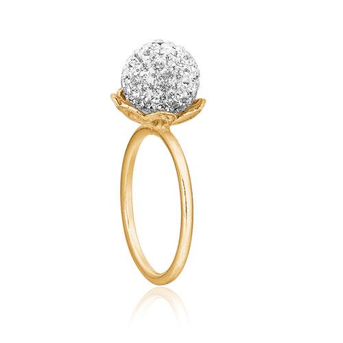 Ring fra Priesme smykker i forgyldt Sterling sølv med klare Swarovski krystaller.