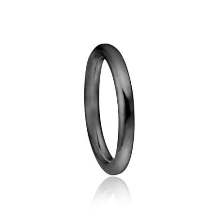 Priesme ring i sort rhodineret sølv