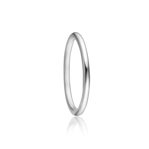Priesme ring i klassisk sølv