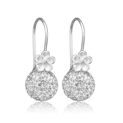Øreringe i skindende blankt sølv med blomster fra Priesme Jewellery