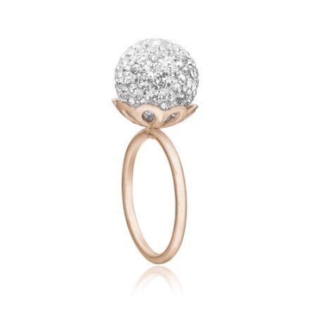 Ring i rosa sølv med klare sten