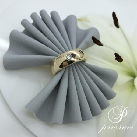 Specielt designet diamant ring